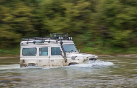 Flussquerung in den Karpaten