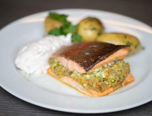 Gefüllte Forelle mit Kartoffeldrillingen und Radieschen Creme Catch and Cook